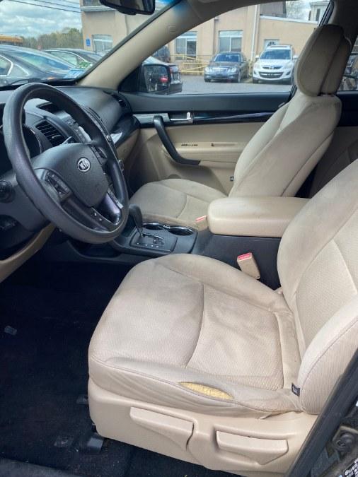 Used Kia Sorento AWD 4dr V6 LX 2013 | J & A Auto Center. Raynham, Massachusetts