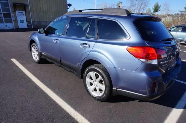Used Subaru Outback 4dr Wgn H4 Auto 2.5i Premium 2013 | Extreme Machines. Bow , New Hampshire