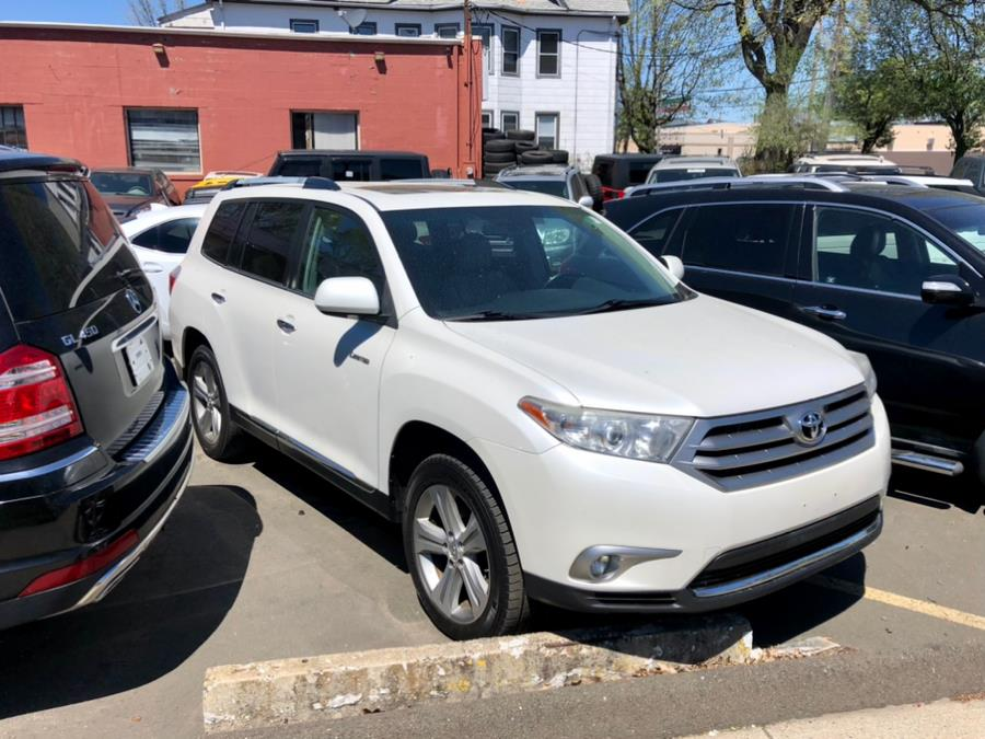 Used 2013 Toyota Highlander in New Haven, Connecticut | Primetime Auto Sales and Repair. New Haven, Connecticut
