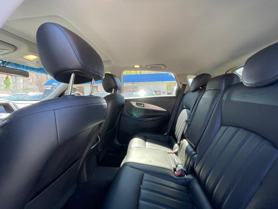 Used INFINITI QX50 AWD 2017   Sophia's Auto Sales Inc. Worcester, Massachusetts