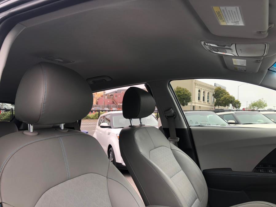 Used Kia Niro Plug-In Hybrid EX FWD 2018   Green Light Auto Wholesale. Daly City, California