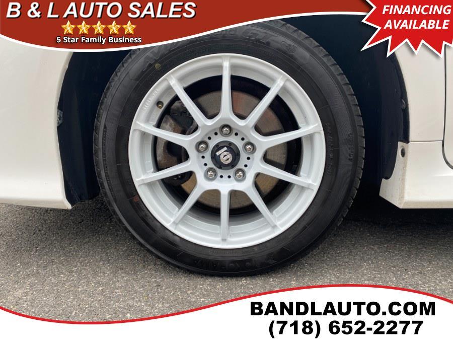 Used Toyota Camry 4dr Sdn I4 Auto SE 2012 | B & L Auto Sales LLC. Bronx, New York