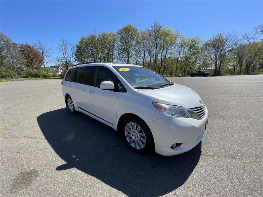 Used Toyota Sienna 5dr 7-Pass Van Ltd AWD (Natl) 2015 | Wiz Leasing Inc. Stratford, Connecticut