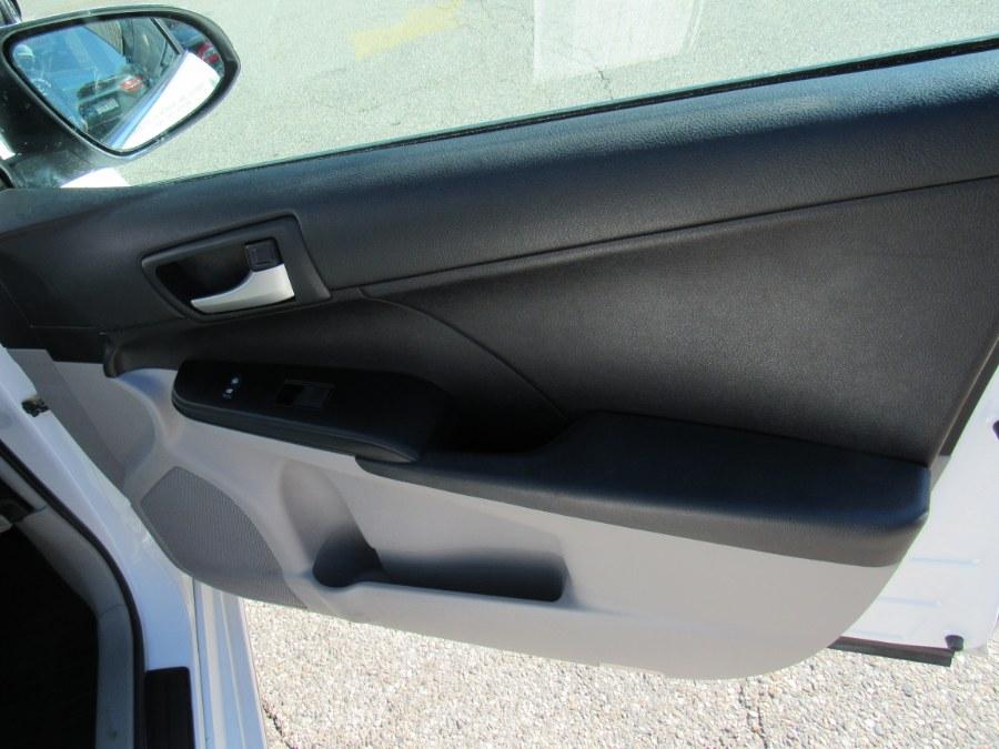 Used Toyota Camry LE 2012   Hilario's Auto Sales Inc.. Worcester, Massachusetts