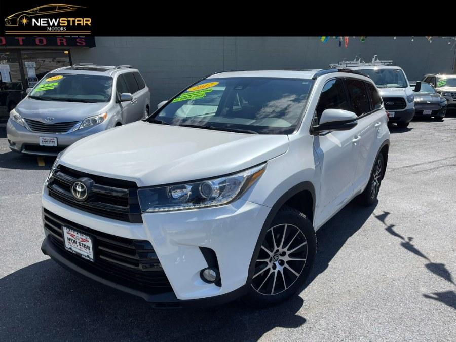 Used 2017 Toyota Highlander in Chelsea, Massachusetts | New Star Motors. Chelsea, Massachusetts