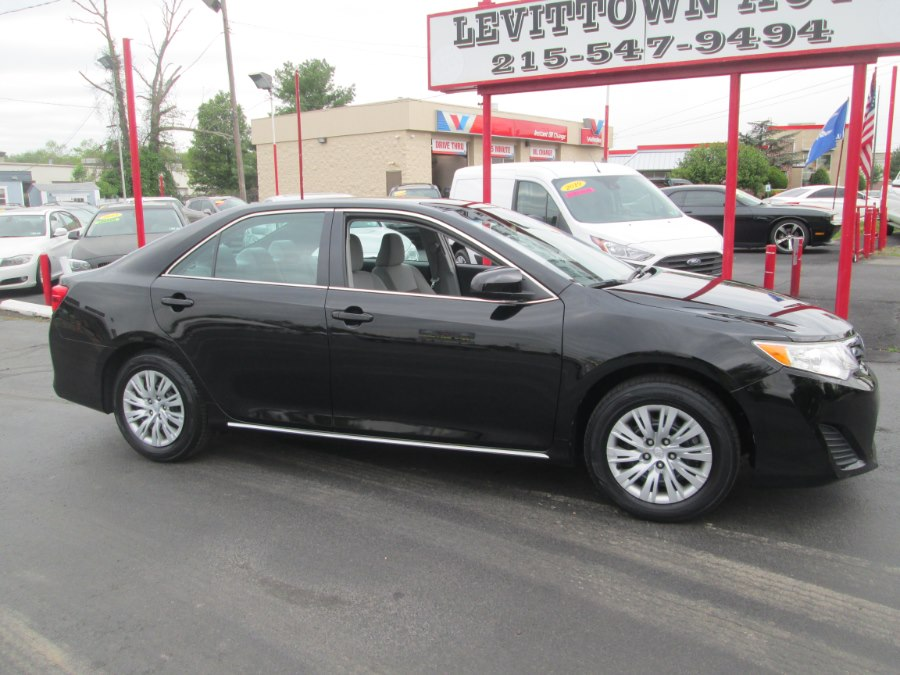 Used Toyota Camry 4dr Sdn I4 Auto LE (Natl) *Ltd Avail* 2014 | Levittown Auto. Levittown, Pennsylvania