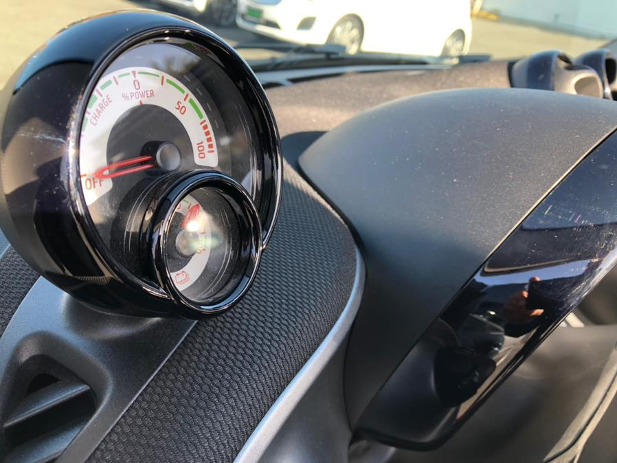 Used Smart Fortwo Electric Drive Passion Cabriolet 2018 | Green Light Auto Wholesale. Daly City, California