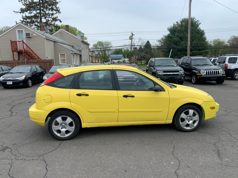 Used Ford Focus 5dr HB ZX5 SE 2005   CT Car Co LLC. East Windsor, Connecticut