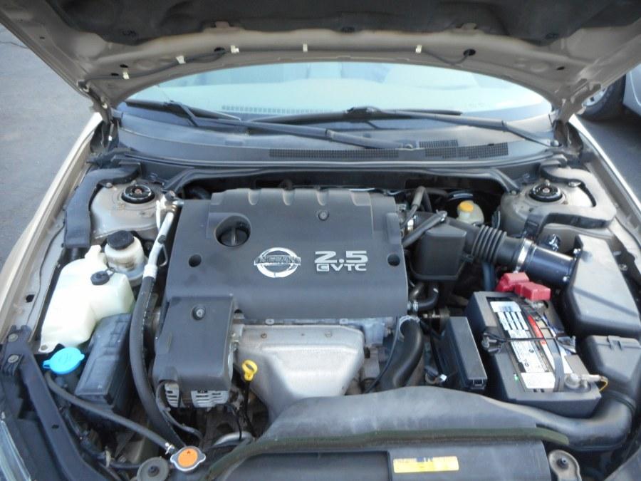 Used Nissan Altima 4dr Sdn I4 Auto 2.5 S PZEV 2005   Wholesale Motorcars LLC. Newington, Connecticut
