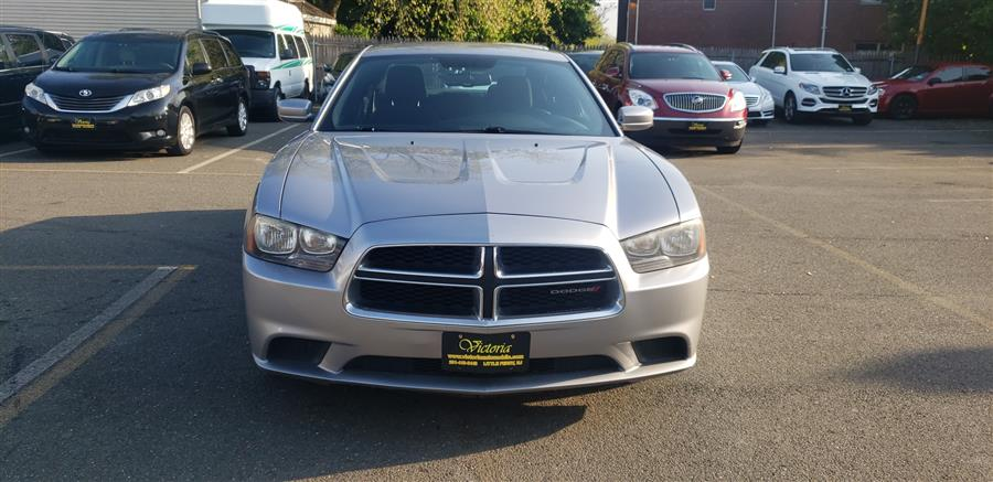 Used Dodge Charger 4dr Sdn SE RWD 2013 | Victoria Preowned Autos Inc. Little Ferry, New Jersey