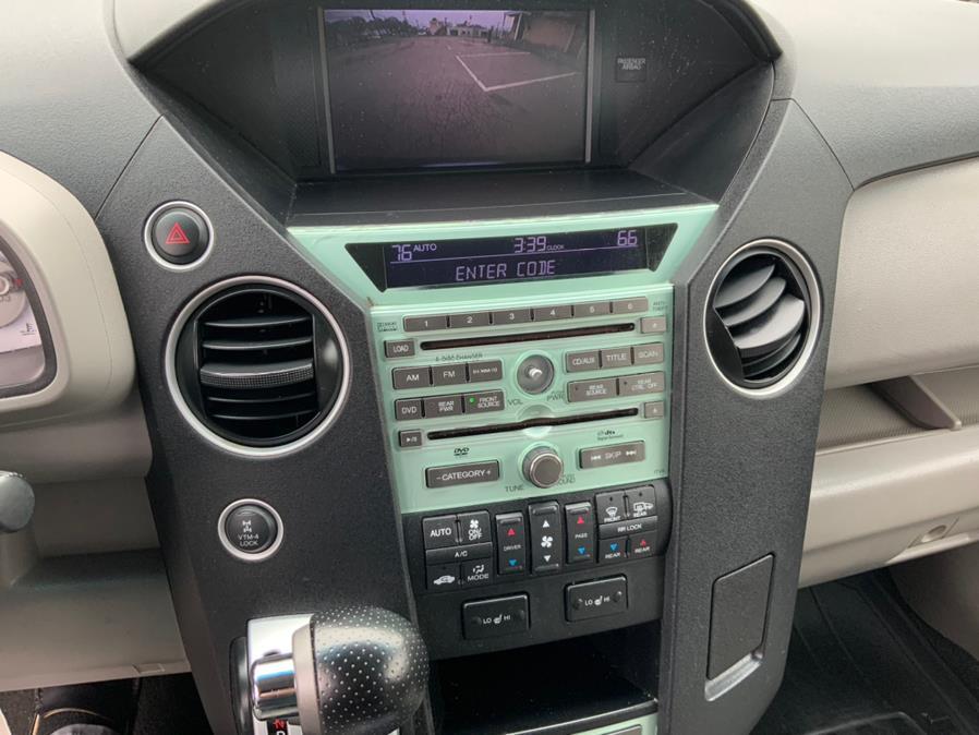 Used Honda Pilot 4WD 4dr Touring w/RES & Navi 2009 | Capital Lease and Finance. Brockton, Massachusetts
