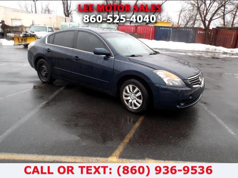 Used Nissan Altima 4dr Sdn I4 CVT 2.5 S ULEV 2007 | Lee Motors Sales Inc. Hartford, Connecticut