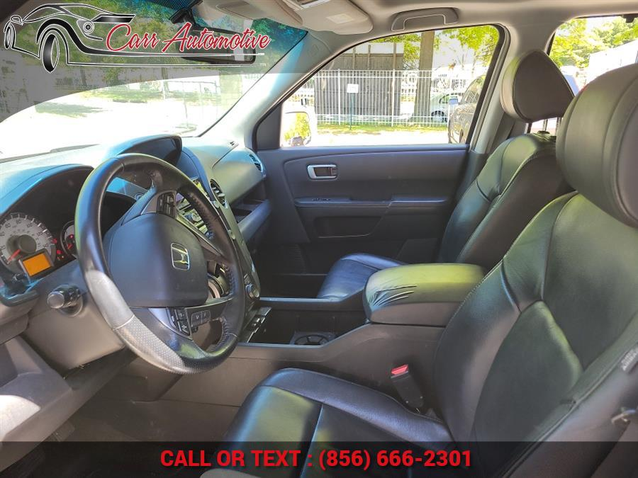 Used Honda Pilot 4WD 4dr Touring w/RES & Navi 2014   Carr Automotive. Delran, New Jersey