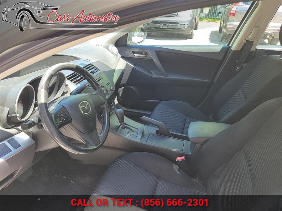 Used Mazda Mazda3 4dr Sdn Auto i SV 2013 | Carr Automotive. Delran, New Jersey