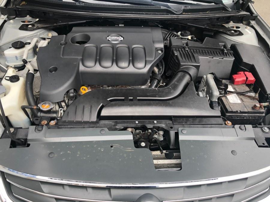 Used Nissan Altima 4dr Sdn I4 CVT 2.5 S 2011   Bristol Auto Center LLC. Bristol, Connecticut