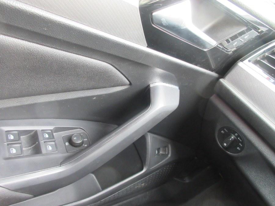 Used Volkswagen Jetta R-Line Auto w/SULEV 2019 | Route 27 Auto Mall. Linden, New Jersey