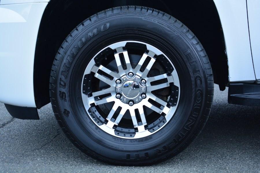 Used GMC Yukon 4WD 4dr 1500 SLE 2011 | Longmeadow Motor Cars. ENFIELD, Connecticut