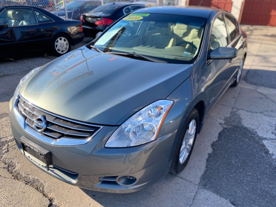 Used 2010 Nissan Altima in Middle Village, New York | Middle Village Motors . Middle Village, New York