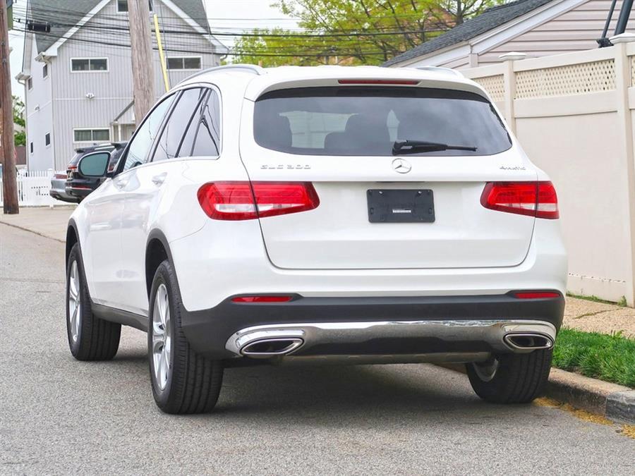 Used Mercedes-benz Glc GLC 300 2018 | Auto Expo Ent Inc.. Great Neck, New York