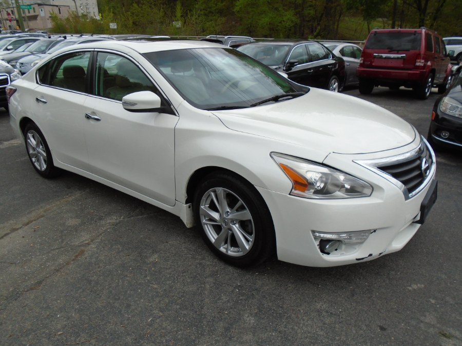 Used 2015 Nissan Altima in Waterbury, Connecticut | Jim Juliani Motors. Waterbury, Connecticut