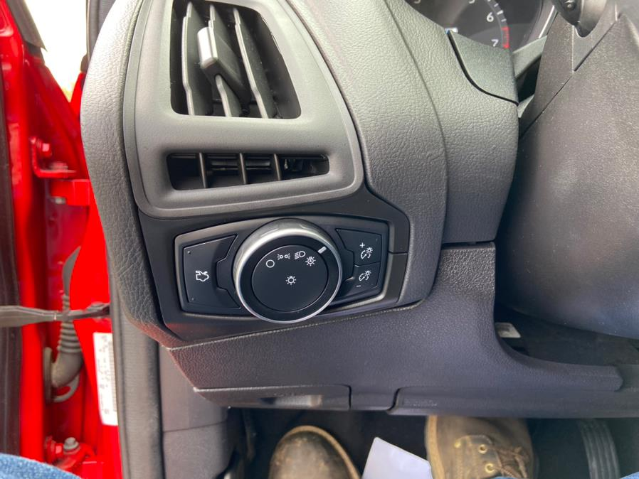 Used Ford Focus 5dr HB SE 2015   Century Auto And Truck. East Windsor, Connecticut