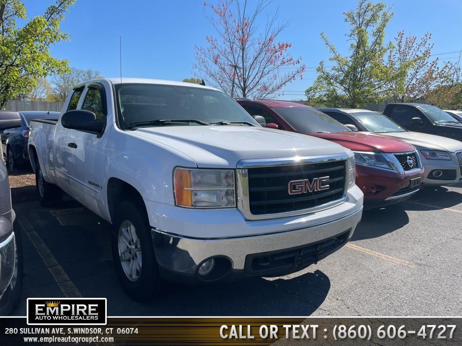 Used 2007 GMC Sierra 1500 in S.Windsor, Connecticut | Empire Auto Wholesalers. S.Windsor, Connecticut