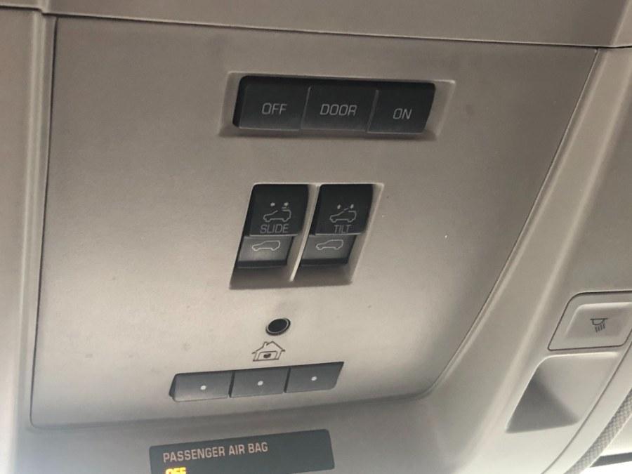 "Used GMC Sierra 1500 4WD Crew Cab 143.5"" SLT 2014 | Bristol Auto Center LLC. Bristol, Connecticut"