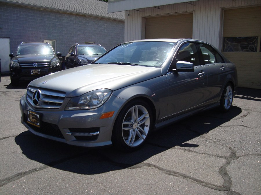 Used Mercedes-Benz C-Class 4dr Sdn C300 Luxury 4MATIC 2012   Yara Motors. Manchester, Connecticut