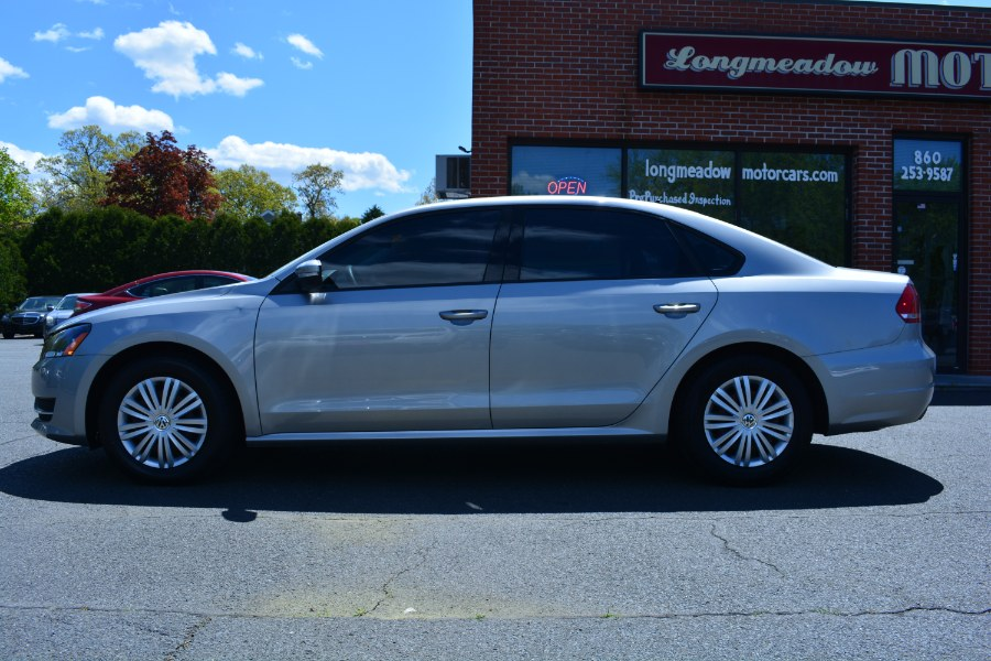 Used Volkswagen Passat 4dr Sdn 1.8T Manual S PZEV 2014 | Longmeadow Motor Cars. ENFIELD, Connecticut