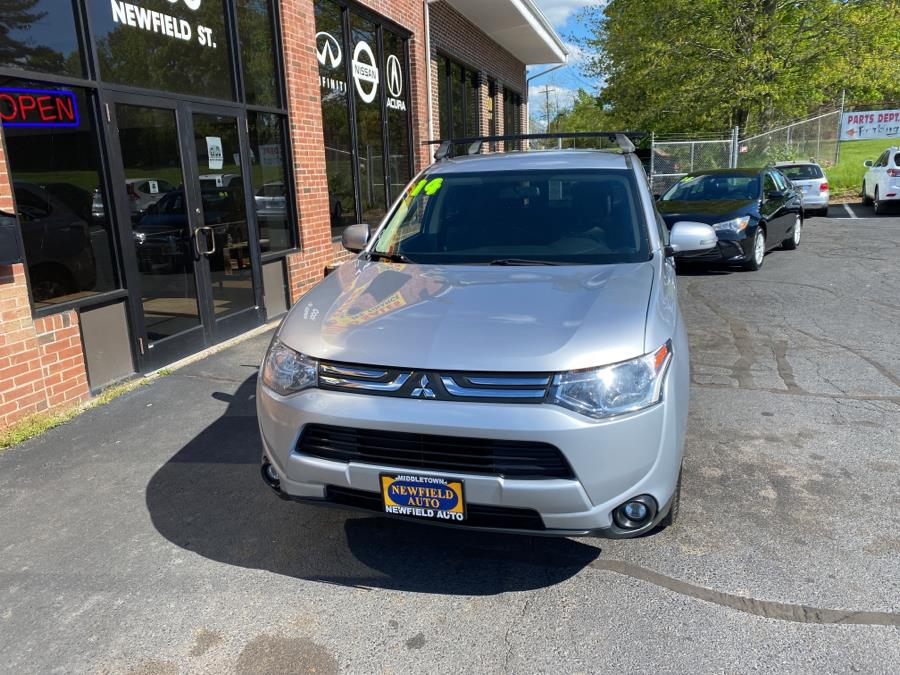 Used Mitsubishi Outlander 4WD 4dr SE 2014 | Newfield Auto Sales. Middletown, Connecticut
