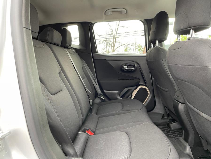 Used Jeep Renegade 4WD 4dr Latitude 2015 | Merrimack Autosport. Merrimack, New Hampshire