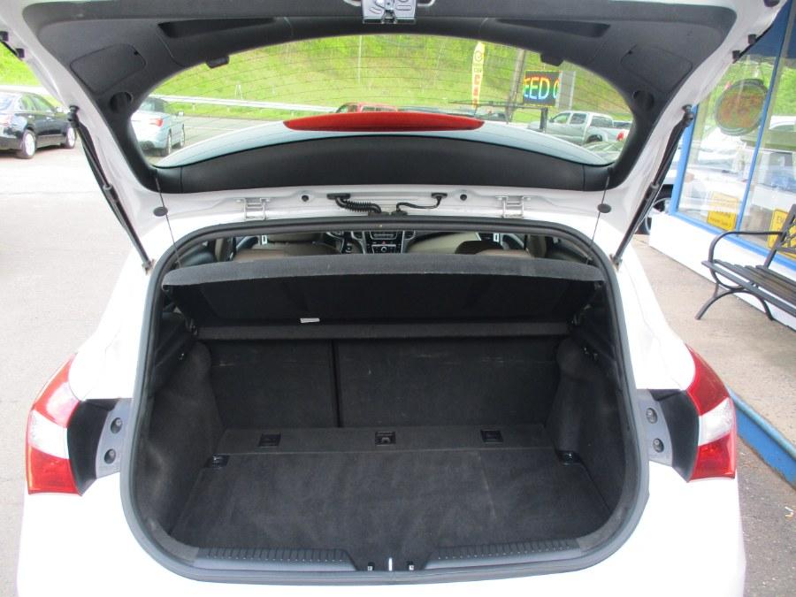 Used Hyundai Elantra GT GT 2013   Cos Central Auto. Meriden, Connecticut