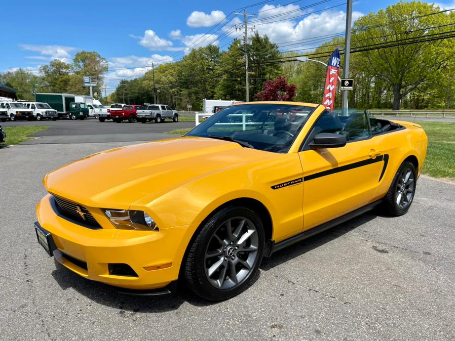 Used Ford Mustang 2dr Conv V6 Premium 2012 | Mike And Tony Auto Sales, Inc. South Windsor, Connecticut