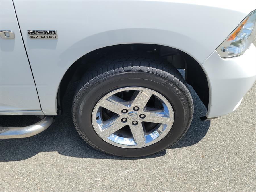 "Used Ram 1500 4WD Crew Cab 140.5"" Outdoorsman 2011 | Daytona Auto Sales. Little Ferry, New Jersey"