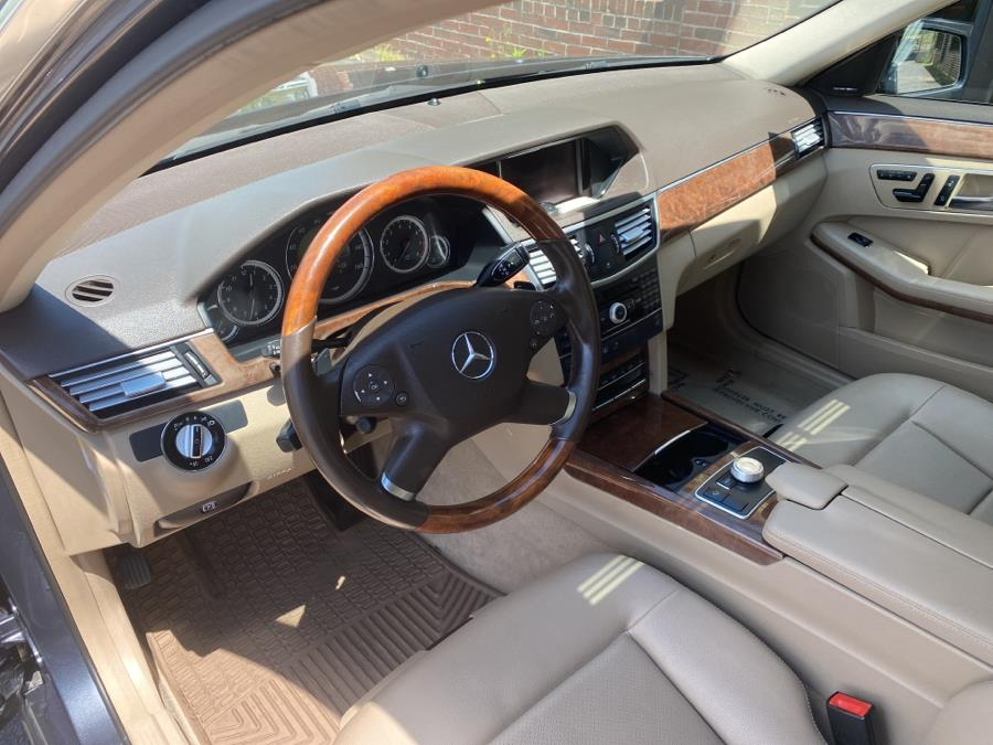 Used Mercedes-Benz E-Class 4dr Sdn E350 Luxury 4MATIC 2010 | Newfield Auto Sales. Middletown, Connecticut