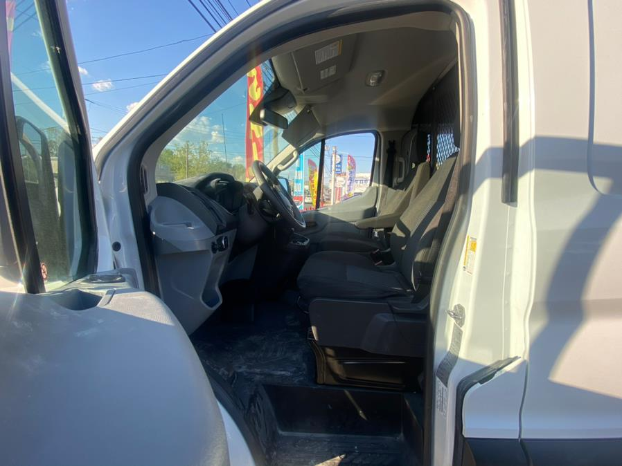 """Used Ford Transit Van T-250 130"""" Low Rf 9000 GVWR Swing-Out RH Dr 2019 