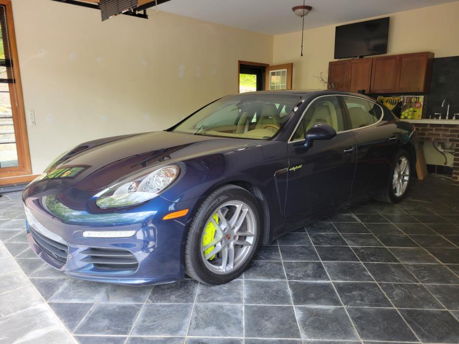 Used 2014 Porsche Panamera in Shelton, Connecticut | Center Motorsports LLC. Shelton, Connecticut