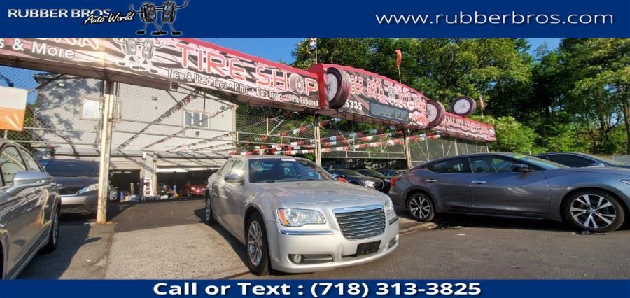 Used Chrysler 300 4dr Sdn V6 Limited RWD 2012 | Rubber Bros Auto World. Brooklyn, New York