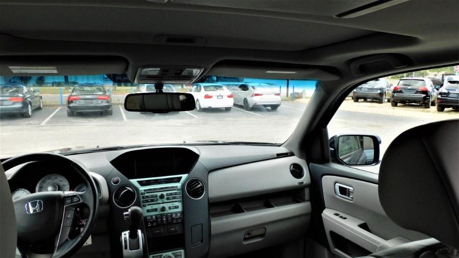 Used Honda Pilot 2WD 4dr Touring w/RES & Navi 2011 | Rahib Motors. Winter Park, Florida