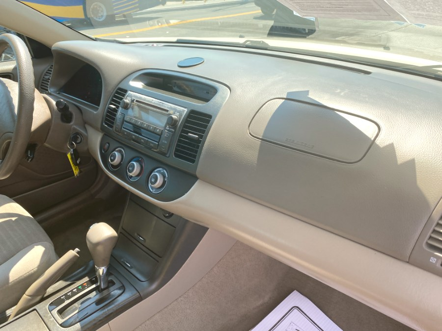 Used Toyota Camry 4dr Sdn LE Auto (Natl) 2006   Middle Village Motors . Middle Village, New York