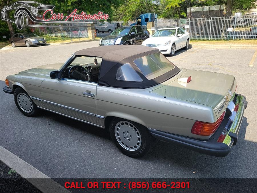Used Mercedes-Benz 560 Series 2dr Roadster 560SL 1987   Carr Automotive. Delran, New Jersey