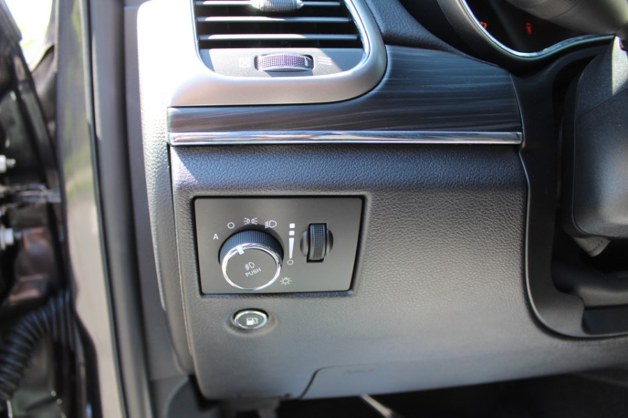 2020 Jeep Grand Cherokee Limited 4x4, available for sale in Great Neck, NY