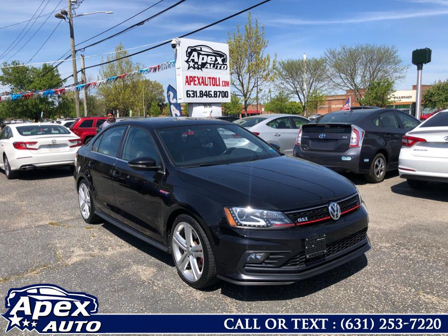 Used 2016 Volkswagen Jetta Sedan in Selden, New York | Apex Auto. Selden, New York