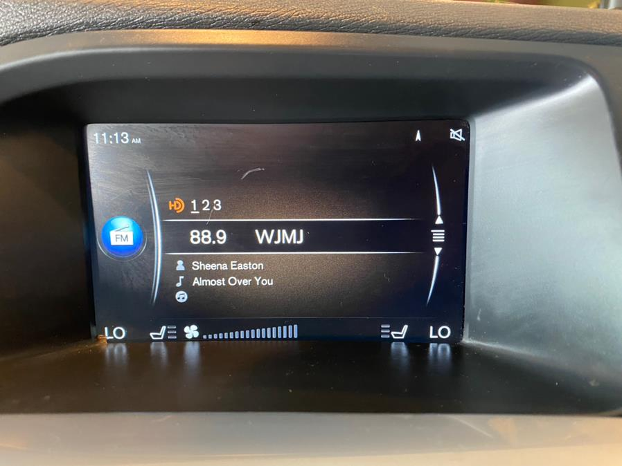 Used Volvo V60 Cross Country 4dr Wgn T5 AWD 2016 | AutoMax. West Hartford, Connecticut