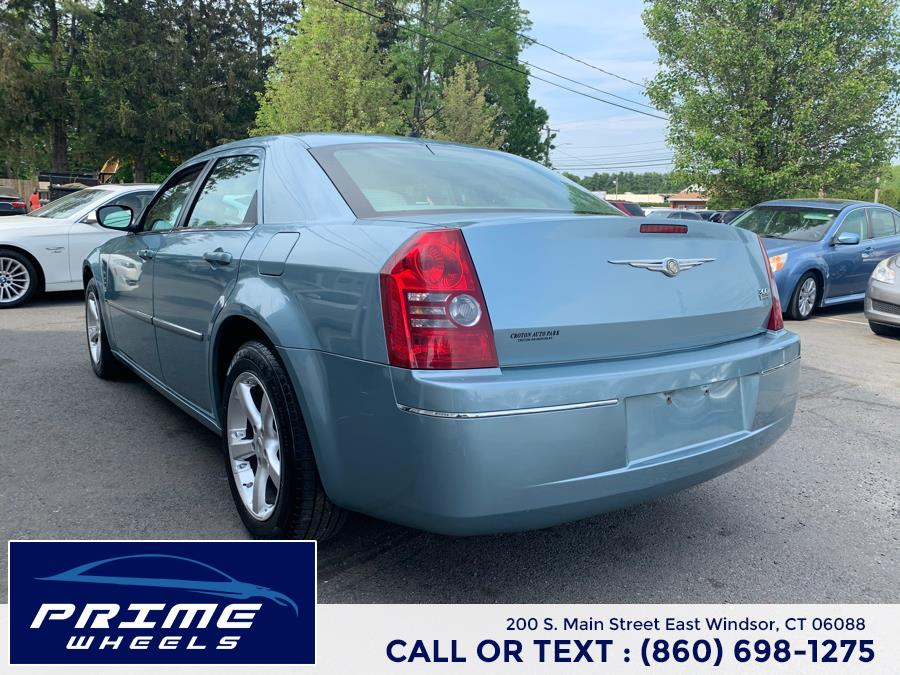 Used Chrysler 300 4dr Sdn 300 Touring RWD 2008   Prime Wheels. East Windsor, Connecticut