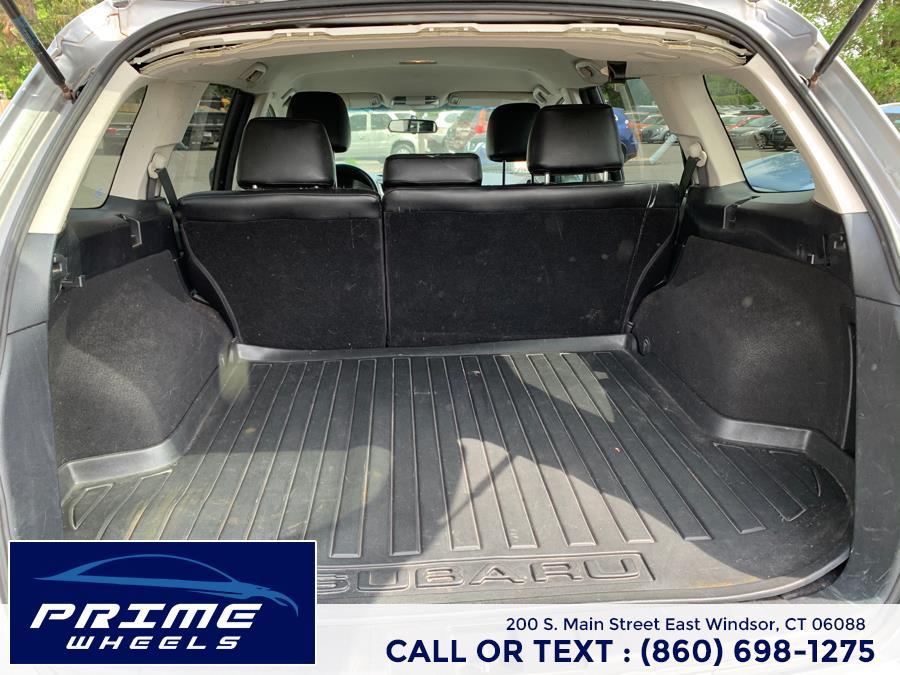Used Subaru Outback 4dr Wgn H4 Auto 2.5i Prem AWP 2011 | Prime Wheels. East Windsor, Connecticut