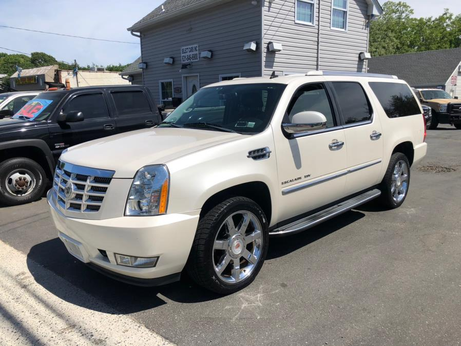 Used 2011 Cadillac Escalade ESV in Selden, New York | Select Cars Inc. Selden, New York