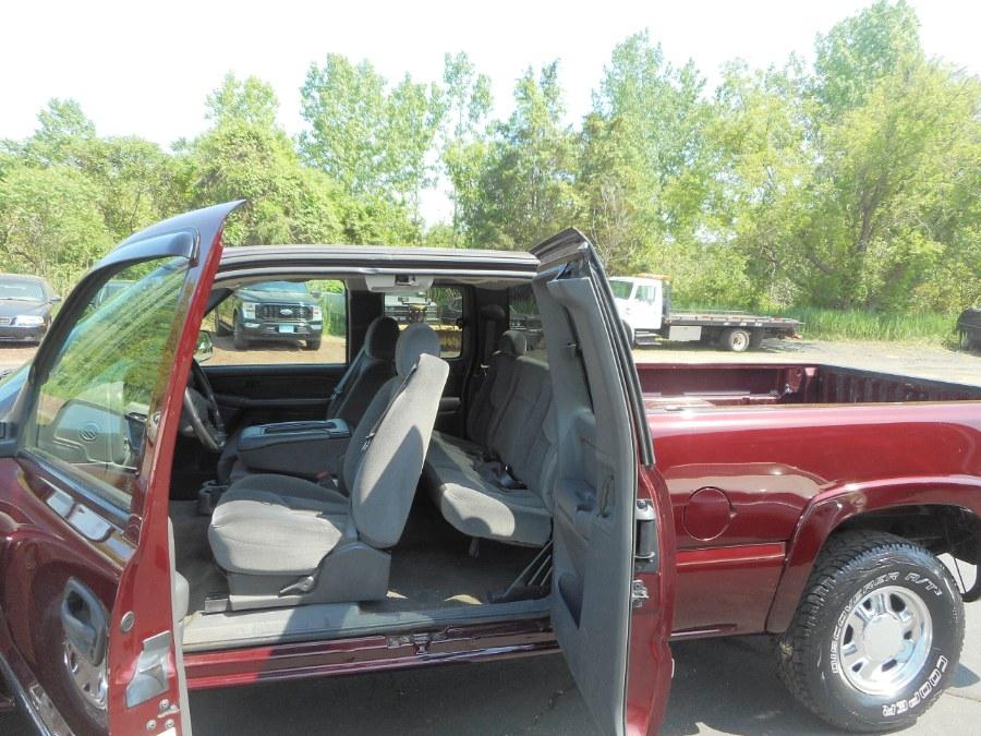"Used GMC Sierra 1500 Ext Cab 143.5"" WB 4WD SLE 2003 | Wholesale Motorcars LLC. Newington, Connecticut"