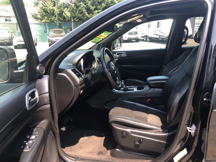 Used Jeep Grand Cherokee Laredo E 4x4 2019   Auto Haus of Irvington Corp. Irvington , New Jersey