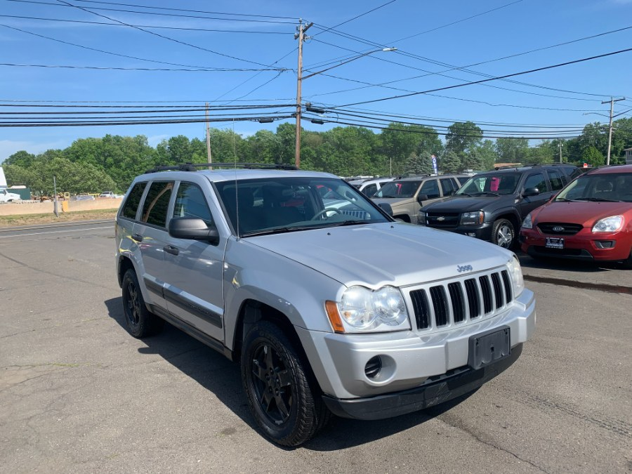 Used Jeep Grand Cherokee 4dr Laredo 4WD 2005 | CT Car Co LLC. East Windsor, Connecticut